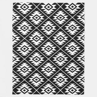 Manta Polar Blanco estilizado del modelo del símbolo azteca en
