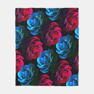 Manta Polar Cama de rosas rojos y azules