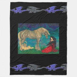 Manta Polar Chica con los dragones del negro azul del caballo