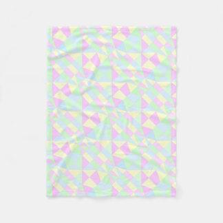 Manta Polar Pirámide en colores pastel