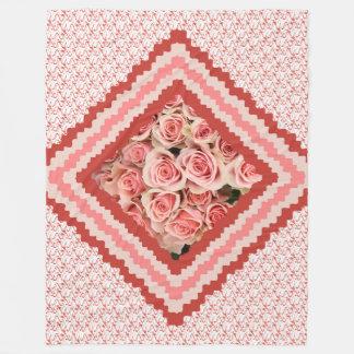 Manta Polar Tiro floral, rosas rosados enmarcados en rosas y