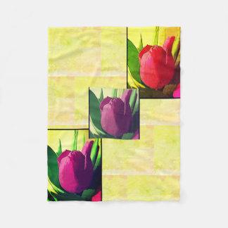 Manta púrpura y amarilla del estampado de flores -