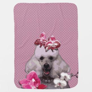Manta rosada del bebé del caniche