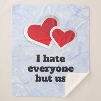 Manta Sherpa 2 corazones rojos - odio cada uno pero nos