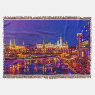 Manta Tejida Moscú el Kremlin en noche del invierno