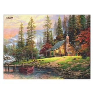 Mantel Chalet de madera de la montaña hermosa en orilla