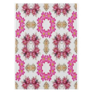 Mantel decorativo floral rosado del diseño