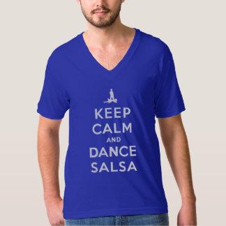 Mantenga salsa tranquila y de la danza camiseta