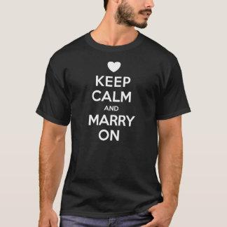 Mantenga tranquilo para casarse en la camiseta de