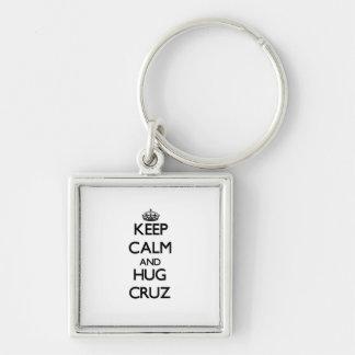 Mantenga tranquilo y abrazo Cruz Llavero Personalizado