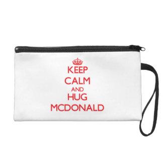Mantenga tranquilo y abrazo Mcdonald