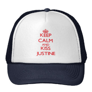Mantenga tranquilo y beso Justine