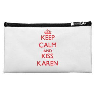 Mantenga tranquilo y beso Karen
