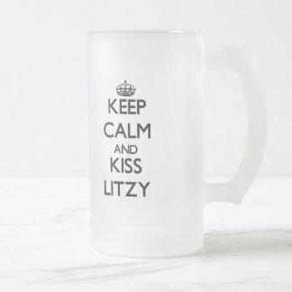 Mantenga tranquilo y beso Litzy Taza Cristal Mate
