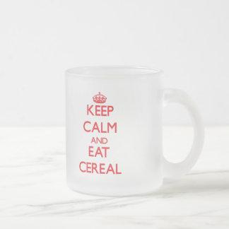 Mantenga tranquilo y coma el cereal taza