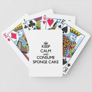 Mantenga tranquilo y consuma la torta de esponja barajas de cartas