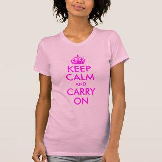 Mantenga tranquilo y continúe la camisa