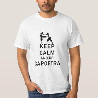 Mantenga tranquilo y haga Capoeira Camisetas