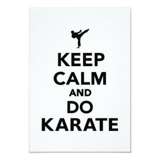 Mantenga tranquilo y haga el karate invitacion personalizada