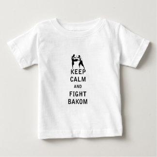 Mantenga tranquilo y lucha Bakom Camisetas