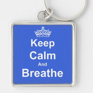 Mantenga tranquilo y respire el llavero de la