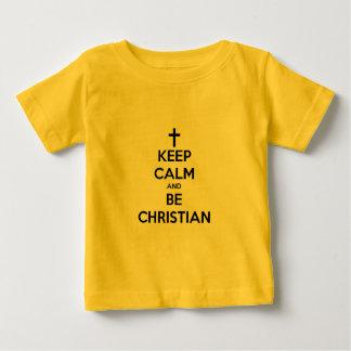 Mantenga tranquilo y sea cristiano camisas