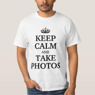 Mantenga tranquilo y tome las fotos camiseta