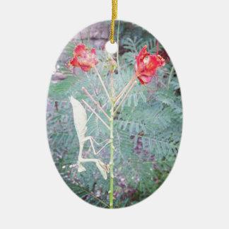 Mantis religiosa adorno navideño ovalado de cerámica