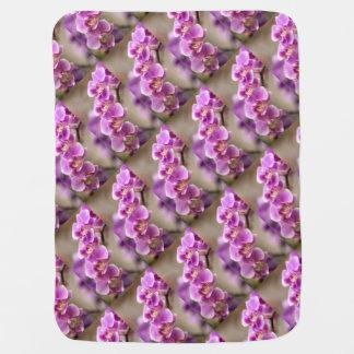 Mantita Para Bebé Cadena de flor de color rosa oscuro de la orquídea