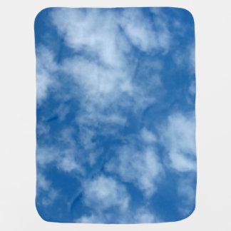 Mantita Para Bebé Cielo azul con la foto de las nubes