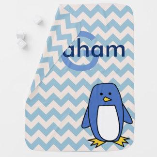 Mantita Para Bebé Nombre azul de los galones y del bebé del pingüino