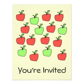 Manzanas rojas y manzanas verdes, modelo, en la cr invitacion personalizada