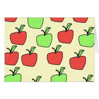 Manzanas rojas y manzanas verdes, modelo, en la cr tarjeta pequeña