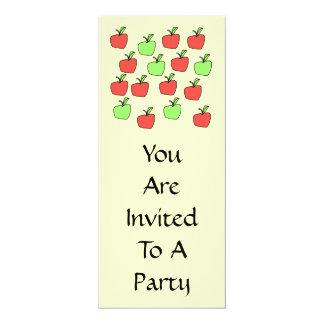 Manzanas rojas y manzanas verdes, modelo, en la invitación 10,1 x 23,5 cm