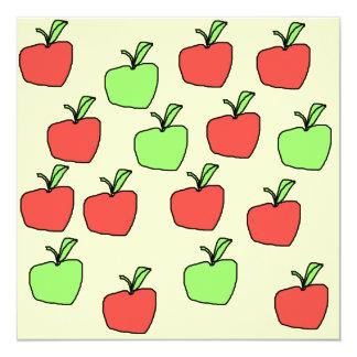 Manzanas rojas y manzanas verdes, modelo invitación 13,3 cm x 13,3cm