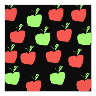 Manzanas rojas y modelo verde de las manzanas anuncios