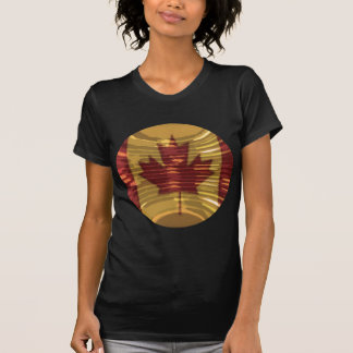 Mapa canadiense artístico y MapleLeaf Camiseta
