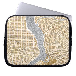 Mapa dorado de la ciudad de Nueva York Funda Para Portátil