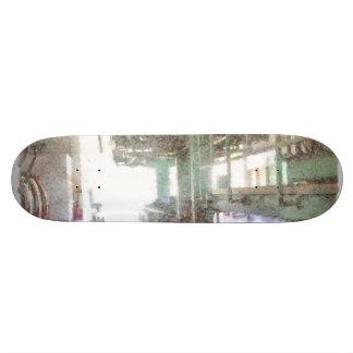 Maquinaria en una fábrica monopatín 18,4 cm