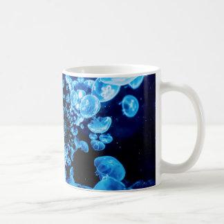 Mar azul de la vida del océano del extracto del taza de café