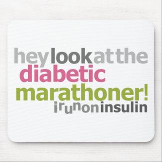Marathoner diabético - corro en la insulina alfombrilla de ratón