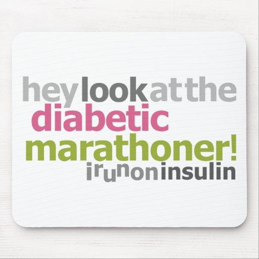 Marathoner diabético - corro en la insulina alfombrillas de raton
