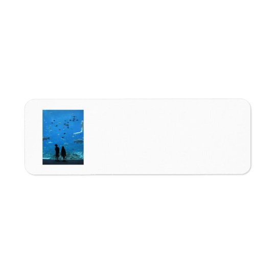Maravilla bajo etiquetas del remite del mar etiquetas de remite