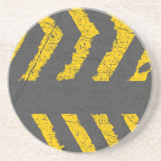 Marca de camino amarilla apenada Grunge Posavasos De Arenisca