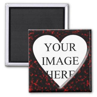 Marco cuadrado de mármol rojo con el corazón imán
