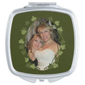 Marco de la foto del círculo de la hiedra espejos de maquillaje