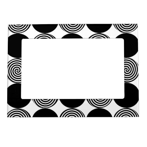 Marco magnético - puntos negros y remolinos en bla marcos magnéticos
