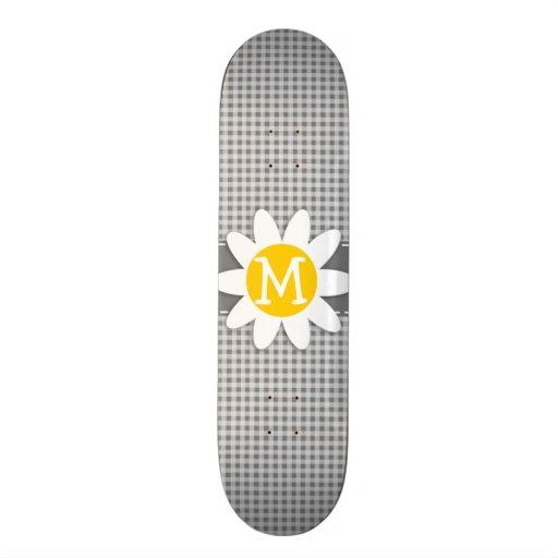 Margarita en la guinga gris tabla de skate