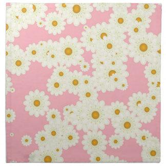 Margaritas en rosa servilleta de tela