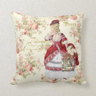 Marie Antoinette Beige Floral Pillow クッション Cojín Decorativo
